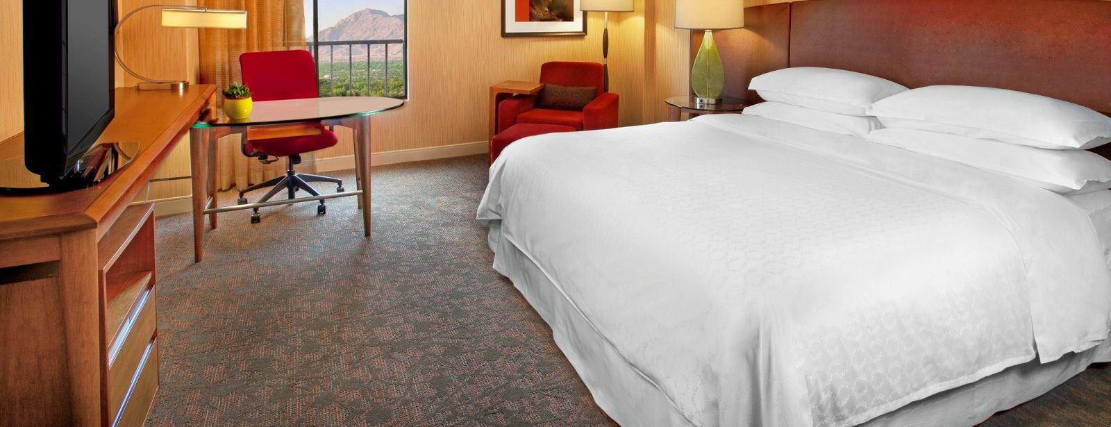Traditional Guest Rooms | Sheraton Albuquerque Airport Hotel
